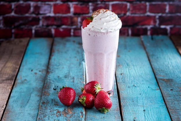 grillshake-strawbery-milkshake